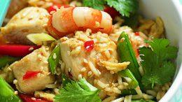 roerbakken met rijst